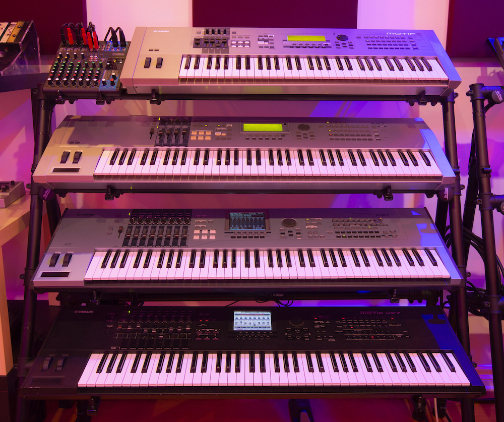 Motif rack Synth Space