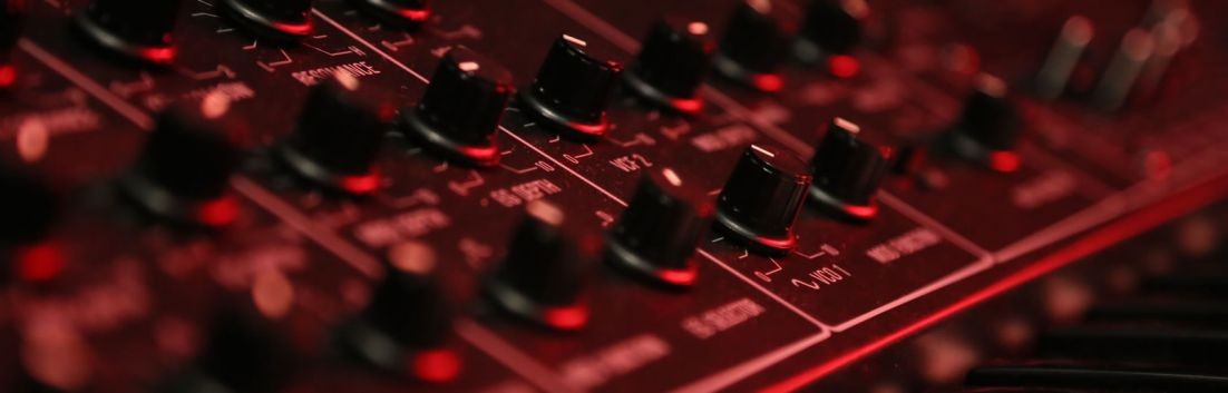 Synth 101 - Lesson 1: What is a Synthesizer?
