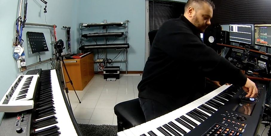 "Synthbits: Manuele Montesanti ""My OS"" with MONTAGE, CP4 and reface CS!"