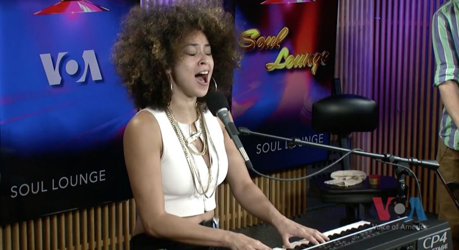 Synthbits: Kandace Springs Sings and Plays CP4 Stage